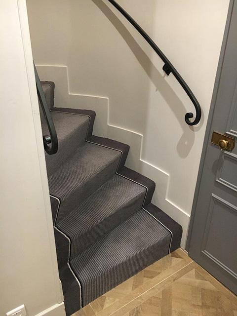 Tesri les tapis de passages et de circulation tiss s sur mesure et les tapis d 39 escaliers for Moquette rayee