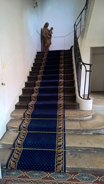 tapis d escalier moderne les 25 meilleures id es concernant tapis d 39 escalier sur pinterest. Black Bedroom Furniture Sets. Home Design Ideas